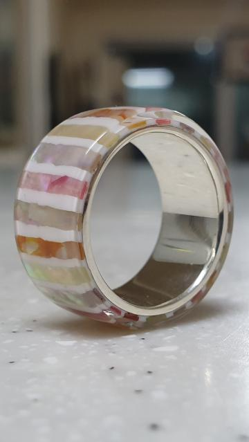 Mother-of-pearl silver ring